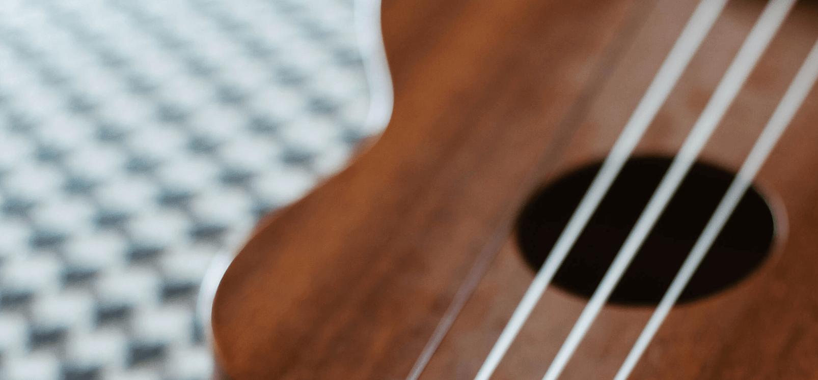 Music4All Chitara 5 Ukulele 6